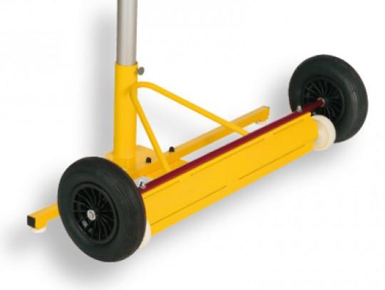 All-In Sport: mit großen luftbereiften Rädern für den Einsatz im Außenbereich.