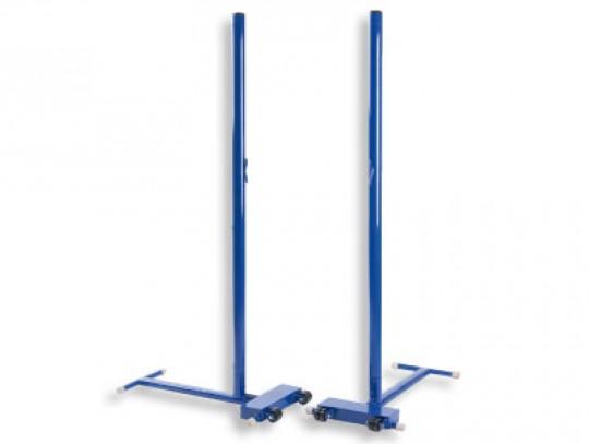 All-In Sport: Ideales Pfosten-Set für Schul- oder Trainingsbetrieb.  Ø 50 mm Stahlpfosten mit Netzhaken und Spannseilkerbe (ohne Spanner)<br />T-Fuß mi...