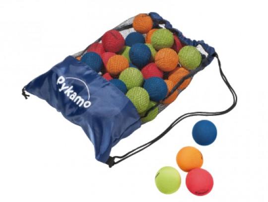 All-In Sport: Geringe stuitkracht vanwege hoge schuimstofdichtheid en maar 10% van de vluchtafstand van een normale golfbal. Ø 7 cm.