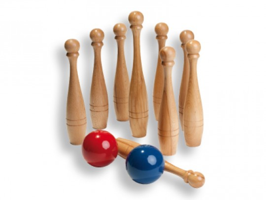 All-In Sport: <br />Productkenmerken:<br />- 9 hoogwaardige kegels van hout (8x 25 cm hoog, 1x 30 cm)<br />- 2 houten ballen Ø 8 cm.