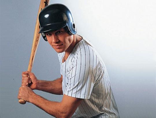 All-In Sport: <b>Batting Helmet in 3 Größen verfügbar M, L und XL</b><br /><br />1-teilige Sicherheitsschalen-Konstruktion aus hochschlagfestem ABS, mi...