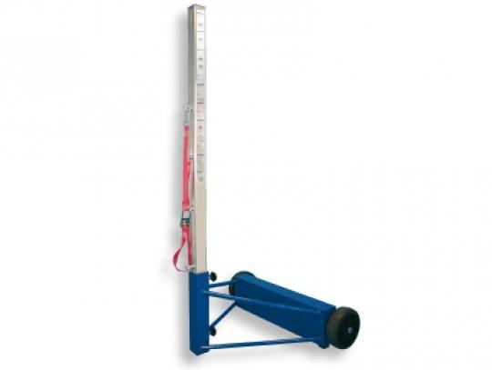 All-In Sport: Palen 2,5 meter lang, van dikwandig aluminium profiel 80 x 80 mm. Onderstel van staal, blauw gelakt, vrijstaand en verrolbaar met grote t...