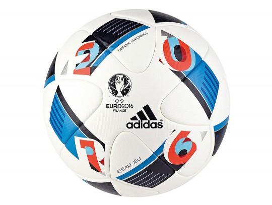 All-In Sport: De Beau Jeu van Adidas® is de officiële wedstrijdbal van de Europese Kampioenschappen voetbal 2016 in Frankrijk. Deze top-wedstrijdbal is...