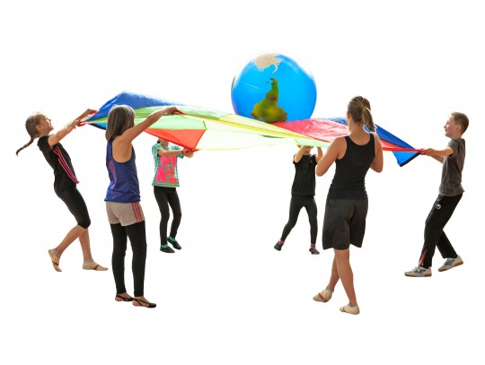 All-In Sport: Aus hochwertigem Vinnol, mit Verschluss-Stopfen. Farbe: blau-transparent mit Globus-Schablonierung. Wandstärke: ca. 2 mm, aufblasbar. Bes...