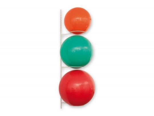 All-In Sport: Der praktischtische Ballhalter für 3 Sitz- oder Gymnastikbälle. Einfache platzsparende Aufbewahrung jetzt bei Kübler Sport bestellen.