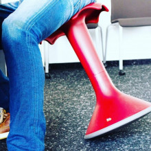 All-In Sport: <p>De Hokki&reg; bewegingsstoel is voor groot en klein en is uitstekend geschikt voor dagelijkse en universele gebruik in de kleuterschoo...