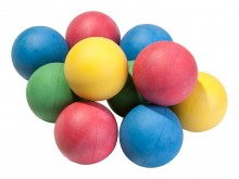 All-In Sport: massieve sponsrubberbal, die uitstekend in de hand ligt en bovendien goed stuiten, 6,2 cm doorsnede, gewicht ca. 6 gram.