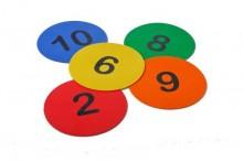All-In Sport: Rubberen markeringsdots. Genummerd van 1 /m 10 op 5 verschillende kleuren. Diameter 20 cm