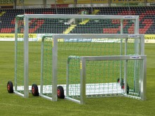 All-In Sport: <b>Omkiepveilig minidoel</b><br /><br />Het omkiepveilige minidoel is vrijstaand en toch omkiepveilig! Het speciale aan dit doel is, dat ...
