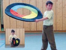 All-In Sport: De scheurbestendige bespanning geeft de Vliegring uitstekende glijeigenschappen. Gewicht ca. 220 gram, Ø 92 cm resp. 33 cm (ingeklapt) Aa...