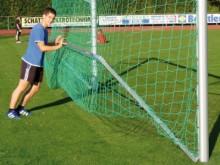 All-In Sport: hochklappbar, passend für alle Jugendfußballtore 500 x 200 cm aus Alu-Ovalprofil oder Quadratprofil, stufenlos verstellbare Netztiefenreg...