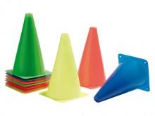 All-In Sport: Elk 2 kegels in de kleuren oranje, geel, rood, blauw en groen. Stavlak van de kegel 13 x 13 cm.