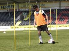 All-In Sport: Optimaal trainingsequipment, multifunctioneel. De metalen punt maakt een probleemloos insteken in de grond mogelijk en garandeert een goe...
