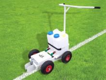 All-In Sport: De spuitmarkeerwagen RB 1 zorgt vanwege een innovatief pomp-/druksysteem voor de perfecte en gelijkmatige lijnen op uw gras. Stabiele sta...