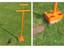 All-In Sport: <p>Voor het repareren van kale plekken en gaten in het gras.</p> <ul> <li>Doorsnede: 15 cm uitsteekmaat</li> <li>7 cm uitsteekdiepte</...
