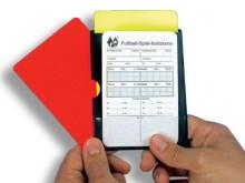 All-In Sport: Actiemapje voor in de borstzak. Inhoud: 1 rode en 1 gele kaart, 1 spelnotitiekaart.