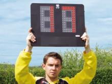 All-In Sport: Van veraf zichtbare LED-weergave aan de voorzijde. Rood-CONSTANT = OUT, Rood-FLASHING = IN, Push-Button, geïntegreerde accu, separate opl...