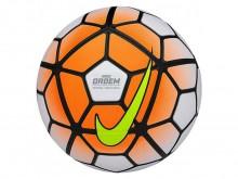All-In Sport: De top-wedstrijdbal van Nike blinkt uit door uitstekende vliegeigenschappen, exact schietgedrag en gelijkblijvende drukverdeling. Bovendi...