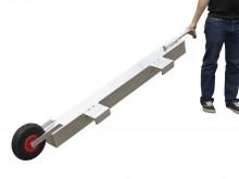 All-In Sport: Diese fahrbare Antikipp-Sicherung bietet eine einfache und praktikable Lösung, mit der Tore auch auf Hartplätzen ohne Verletzung der Sich...