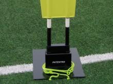 All-In Sport: De praktische standvoet voor de vrijetrap-dummy Pro Soft (artikel F3740) maakt het gebruik op kunstgras, in de zaal of op harde ondergr...