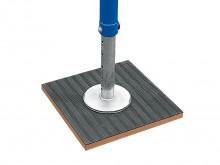 All-In Sport: für Bänfer® Ringegerüst EXKLUSIV, garantieren extrem hohe Standsicherheit auch auf punkt- und flächenelastischen Sporthallenböden.