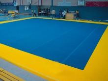 All-In Sport: Bodenturnfläche mit Unterbau. Geeignet für Wettkampf und Training. Die spezielle für das Kunstturnen entwickelte Unterkonstruktion ermögl...