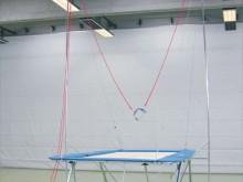 All-In Sport: zur Befestigung an Eurotramp-Trampolinen. Höhe über Sprungtuch 480 cm. Breite 400 cm, komplett mit Gestänge, Laufrollen und Seilen, ohne ...