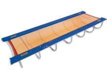 All-In Sport: Für das Tumbling-Training, der 3. Disziplin des Internationalen Trampolinverbandes. Die Elastizität des Sprungtuches erlaubt auch ein ver...