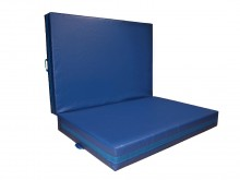 All-In Sport: Veelzijdig inzetbare mat. Gemaakt van polyetherschuim. Hoes van hoogwaardig anti-slip materiaal Trevira. Bovenzijde glad, onderzijde van ...