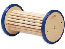 All-In Sport: Doordacht balanceerartikel in houten constructie, ca. 37 cm breed. Werken met de balanceerrol traint reactie- en evenwichtsgevoel, blootv...