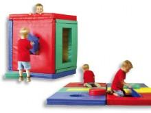 All-In Sport: Speellandschap-bouwset. Dit Puzzelhuis bestaat uit 11 onderdelen, biedt oneindig veel mogelijkheden voor creatief spelen. De hoes is van ...