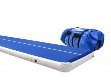 All-In Sport: Die AirTrack P2 ist eine mit Luft gefüllte Universalbahn mit einer komplett glatten Oberfläche, auf der sowohl kleine als auch große Spri...