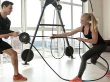All-In Sport: Mobiele touwtrainer in studio-uitvoering! Met innovatieve wervelstroomrem voor 6 verschillende weerstandsinstellingen. Ontelbare oefening...