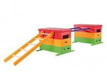 All-In Sport: Alle kasten inclusief ingebouwde verrolinrichting met 4 zwenkwielen. Kastdelen van berken-multiplex materiaal met vrolijkgekleurde laklaa...