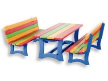 All-In Sport: Van stabiel multiplex, tafel met lengte 100 cm, hoogte 37 cm, breedte 44 cm.