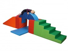 All-In Sport: <p>Set bestaande uit:</p> <ul> <li>1 trap 120 x 60 x 60 cm, groen/lichtgroen,</li> <li>1 grote wig 120 x 60 x 60 /6 cm, oranje/rood,</...
