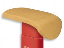 All-In Sport: Original Vliesbezug, an den Kanten abgenäht mit integriertem Gurtspannsystem als zusätzlicher Schutz des Sprungtischoberteils.