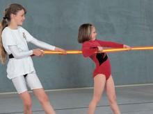 """All-In Sport: 100% uittrekbaar het ideale klittenbandsysteem aan beide uiteinden houdt """" muurvast"""" goed zichtbaar door felle kleuren (rood ) en breedte..."""