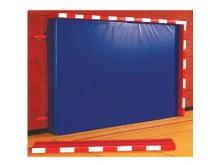 All-In Sport: Afm. ca. 208 x 38 x 8 cm, resp. 316 x 38 x 8 cm. Met klittenband voor de bevestiging aan de valmat. Vulling van polypress SG 100, voorzij...