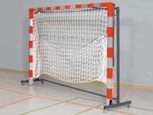 All-In Sport: geeignet für 1 Paar Handballtore mit klappbaren Netzbügeln. Stabile Stahlrohrkonstruktion, pulverbeschichtet, 4 Schwenkrollen. Die Tore w...