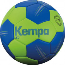 All-In Sport: <p>KEMPA® HANDBAL LEO<br />De Kempa Handbal Leo is een slijtvaste trainingshandbal, ideaal voor beginners en trainingsdoeleinden. De ...