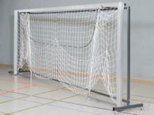 All-In Sport: Geschikt voor 1 paar handbaldoelen met inklapbare netbeugels, 5 x 2 meter. Stabiele staalconstructie, epoxy gelakt, 4 zwenkwielen. De doe...