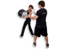 All-In Sport: Softe en toch robuuste, vormbestendige medizinballen met uitgebalanceerde gewichtsverdeling. De opbouw van de ballen absorbeert hoge stoo...
