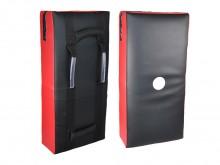 All-In Sport: Robuust kunstleren stootkussen voorzien van meerdere lagen duurzame bekleding. Kleur rood/zwart. Aan de achterzijde voorzien van 2 greep-...