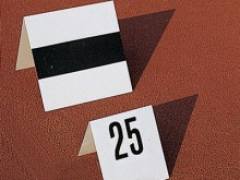 All-In Sport: Dachform zum Aufstellen auf Kunststoffböden, ohne Zahlen (diese bitte separat bestellen).