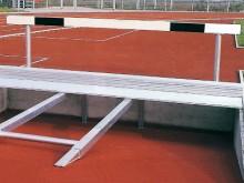 All-In Sport: Verlijmd en weerbestendig gelakte houten balk met aluminium staanders, inclusief bodemhulzen en deksels.