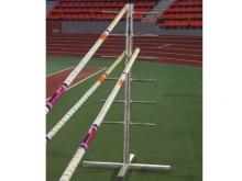 All-In Sport: Stabiler Standfuß für bis zu 12 Sprungstäbe. Aus Aluminium.