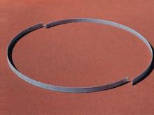 All-In Sport: Ø 2,135 m, 70 mm hoog, 2-delig, vuurverzinkt, inklapbaar, te plaatsen in het beton.