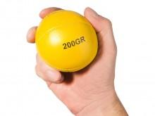 All-In Sport: - Ø ca. 7,5 <br />- Gewicht 200 gram.<br />- Materiaal: leer, handgenaaid<br />- Kleur: geel<br />- Niet stuitend.