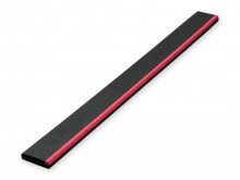 All-In Sport: Met REGUPOL-toplaag en Plasticine aan één zijde, ipv de gebruikelijke houten plank te gebruiken. Maakt overstap-controle mogelijk.